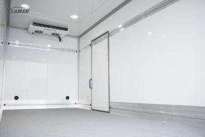 Chłodnia i Izoterma - drzwi boczne z agregatem